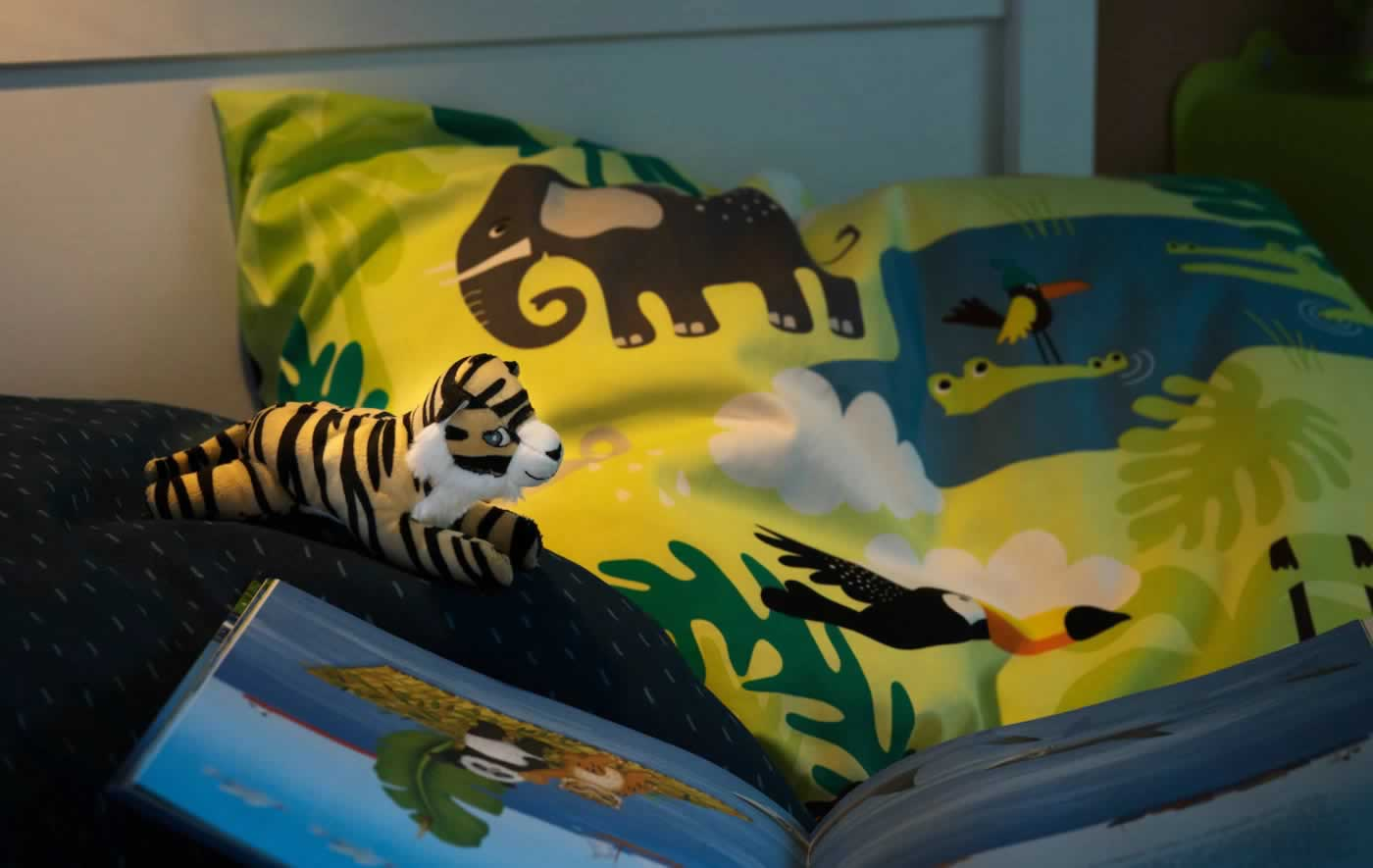 IKEA Ideas - Mix fun and facts in a kids jungle room
