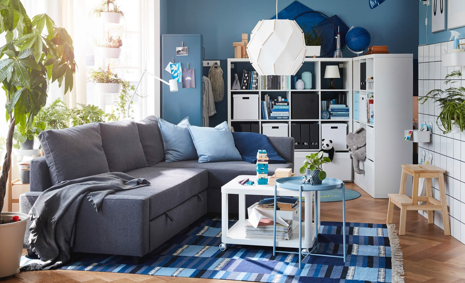 IKEA Ideas - A living room for sleep-ins