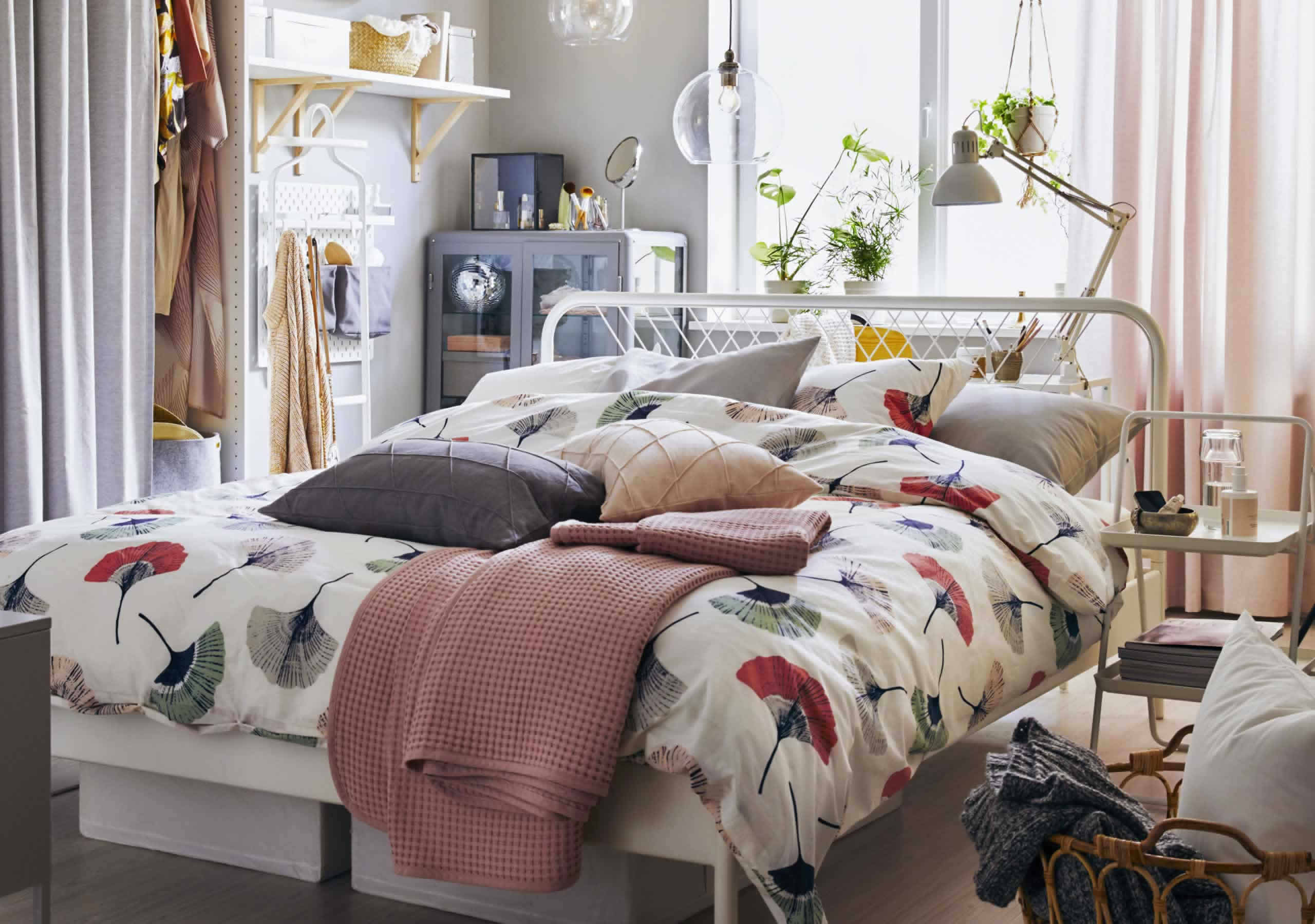 IKEA Ideas - A small space that works 24/7