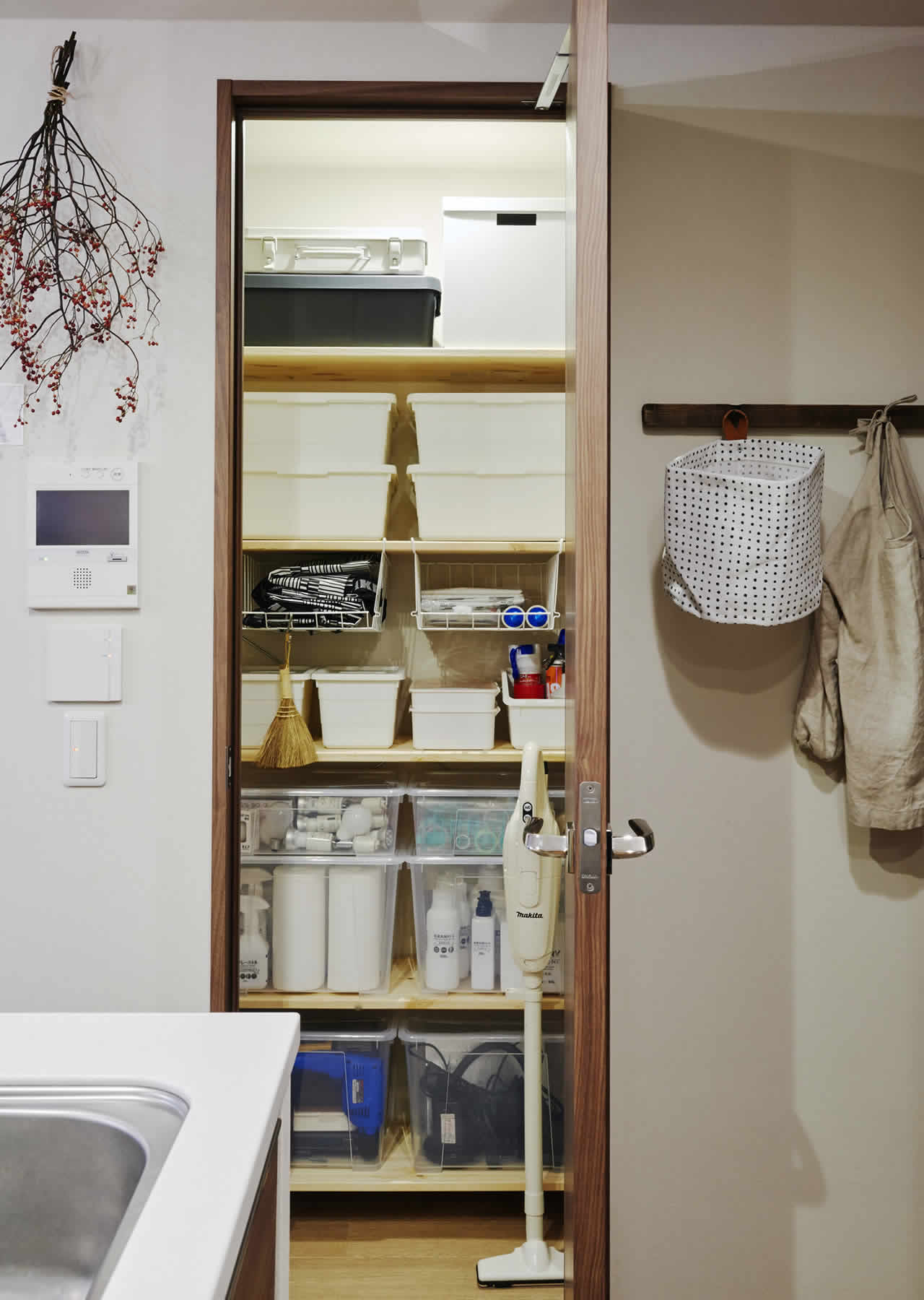IKEA Ideas - Home visit: A small city home made for family time