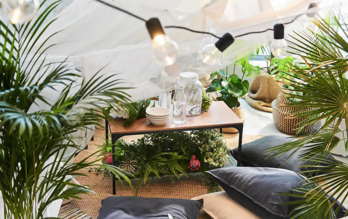 IKEA Ideas  - Urban summer: hold an indoor picnic