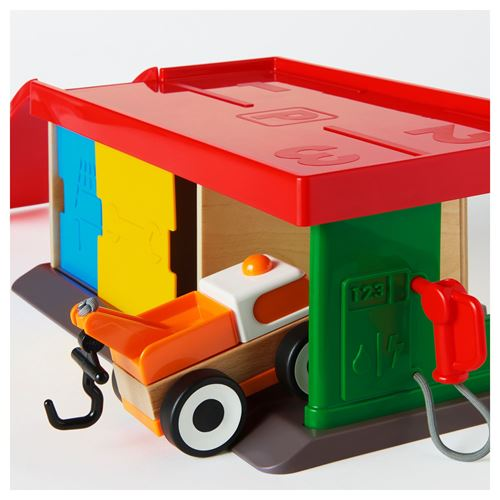 LILLABO,garage with tow truck
